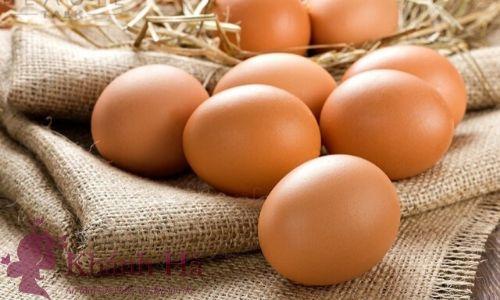 Trị mụn cám bằng trứng gà